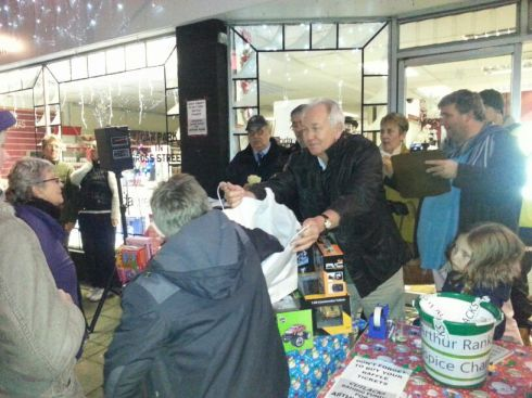 Steve at Cutlacks raising money for Arthur Rank AND the Festive Lights all in one evening!
